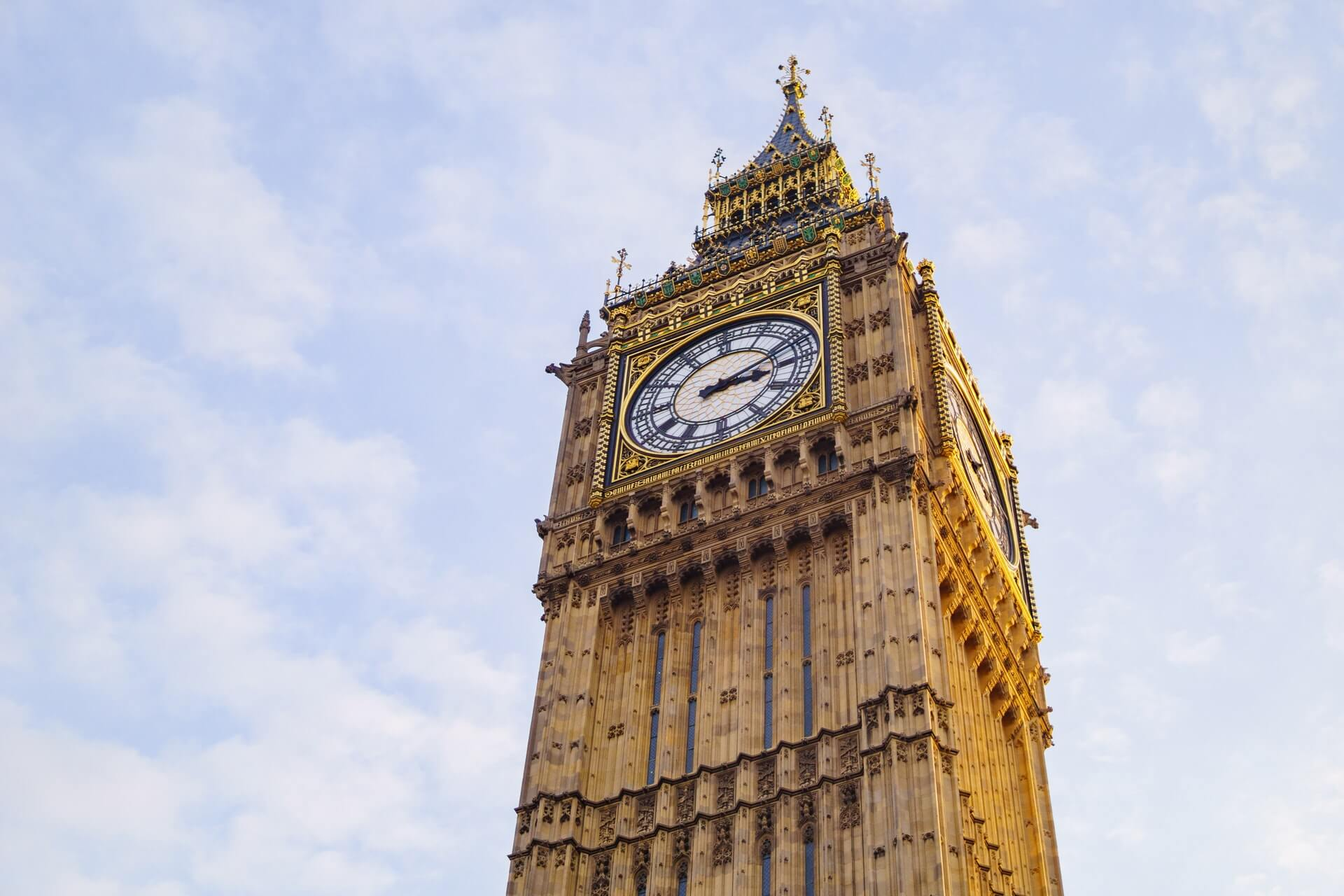 Elizabeth Tower with the clock at 15:12